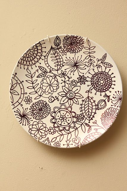 Frikkin love this plate designed with sharpie. Doodling in high school finally pays off!