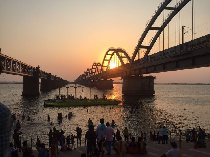 Setting everything right for #godavari #aarti and its time for #sunset. #awesome climate