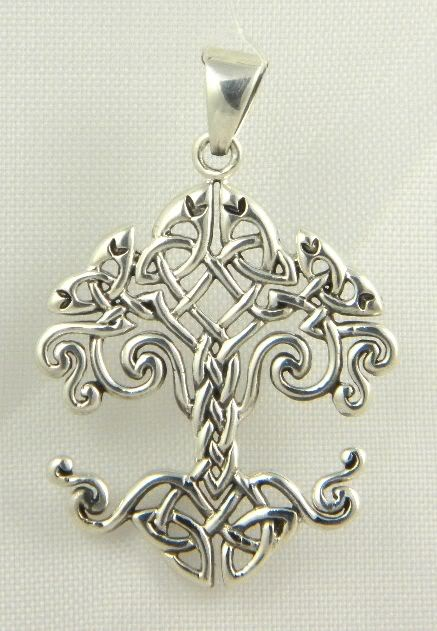 I really want this as a tattoo...it is a celtic knot tree of life...I would love to have this and put my children's names around it.
