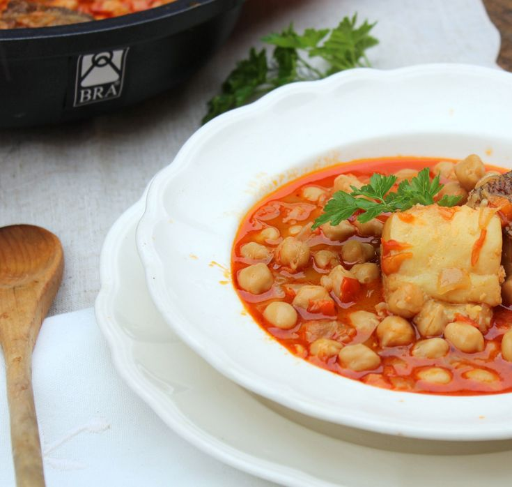 Uno de los platos tradicionales de cuaresma y Semana Santa es el Potaje de bacalao, una receta que pasa de generación en generación para deleite de todos.