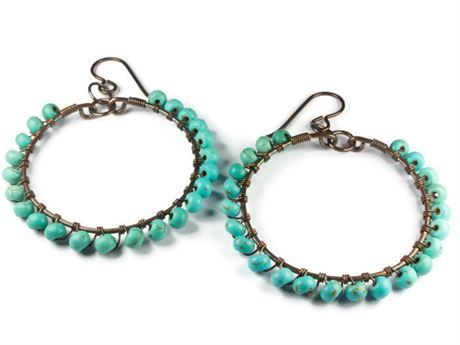 If you love the look of copper and turquoise, these medium wire hoops are just perfect. They look great with jeans, a lovely gypsy dress or a dressy black number. They are light and swingy in your ears. If you thought you couldnt wear copper, these are hypoallergenic ear hooks made from niobium. Perfect for sensitive ears.   Key features:  * pure copper wire, lead and nickel free  * blue reconstituted turquoise, 4 mm  * the hooks are hypoallergenic Niobium for sensitive ears  * they measure…