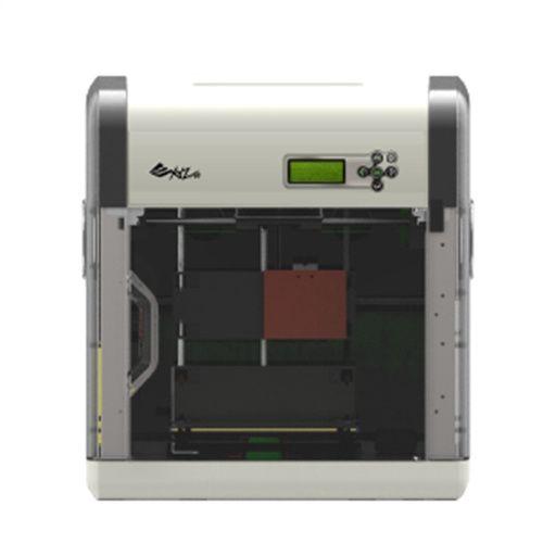XYZprinting da Vinci 1.0. Color del producto: Negro, Plata, Tecnología de visualización: LCM. Versión USB: 2.0. Consumo energético: 200W, Voltaje de entrada AC: 100-240V, Frecuencia de entrada AC: 50/60 Hz. Sistema operativo MAC soportado: Mac OS X 10.8 Mountain Lion, Mac OS X 10.9 Mavericks, Memoria RAM mínima: 2 GB. Ancho: 46,8 cm, Profundidad: 55,8 cm, Altura: 51 cm