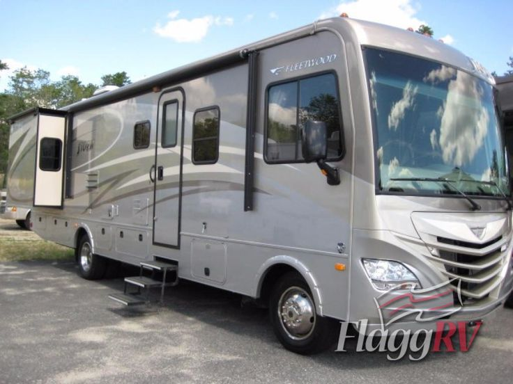 Used 2014 Fleetwood RV Storm 32V Motor Home Class A at