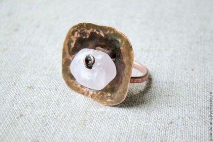 Кольца ручной работы. Заказать кольцо с розовым кварцем. Julia Domna (Юлия). Ярмарка Мастеров. Кольцо, перстень, кольцо с кварцем