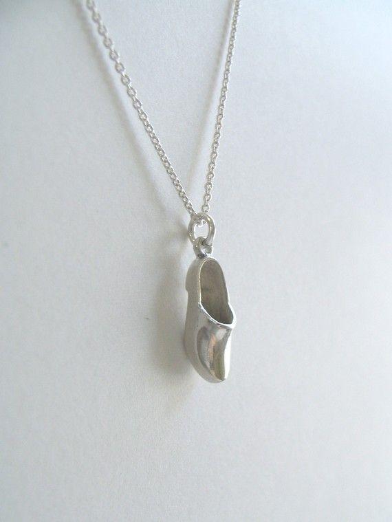 For your favourite Sinterklaas fan - Silver Clog Necklace via Scout