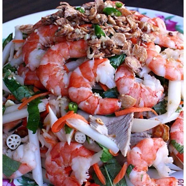 Vietnamese lotus root salad with shrimp/prawn ummmm yall aint noin