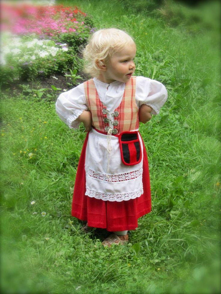 Finland - Tavastian dress, missing the head band - kansantanssijatyttö, Hämeen…