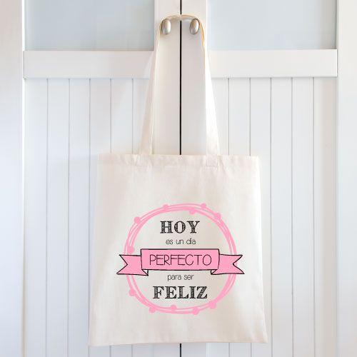 Bolsas de tela para bodas. Tenemos muchos modelos y diseños diferentes para que elijas tu bolsa de tela para regalar en cualquier evento. Detalle de boda. Bolsas personalizadas.