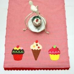 Cupcake Pötikare Kumaş Runner  #tarz #kırmızı #tasarım #moda #tasarımcı #design #style #fashion #red #cupcake #ice #icecream #cream #colorful #coyful #tea #runner #gingham #cake #pink