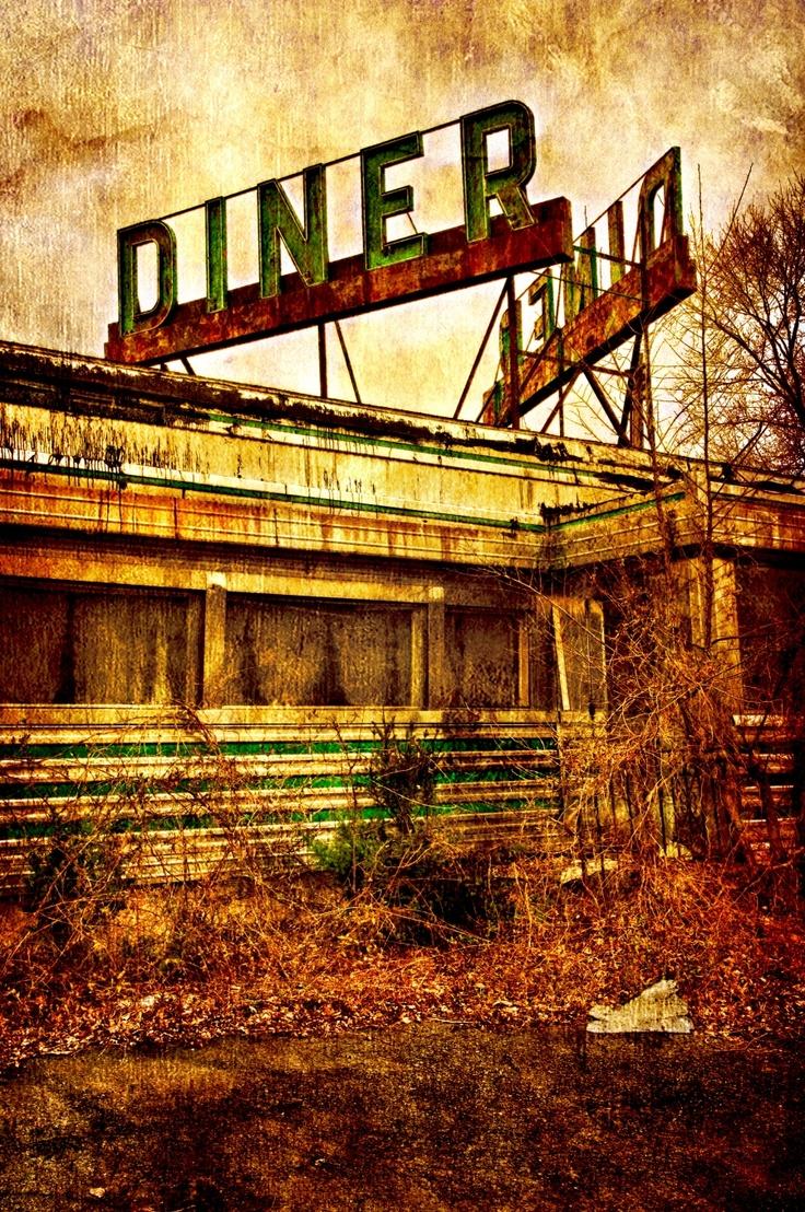 Old abandoned Whitehouse Diner in Whitehouse, NJ.