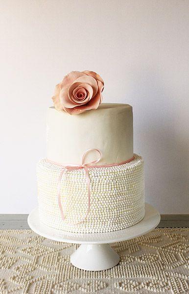 Pearl rose cake/ Torta de perlas y rosa