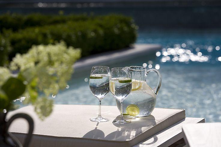 #pool #landscaping #hedges #homeimprovement #waterfeature #zen #lemonwater #summer #outdoordecor