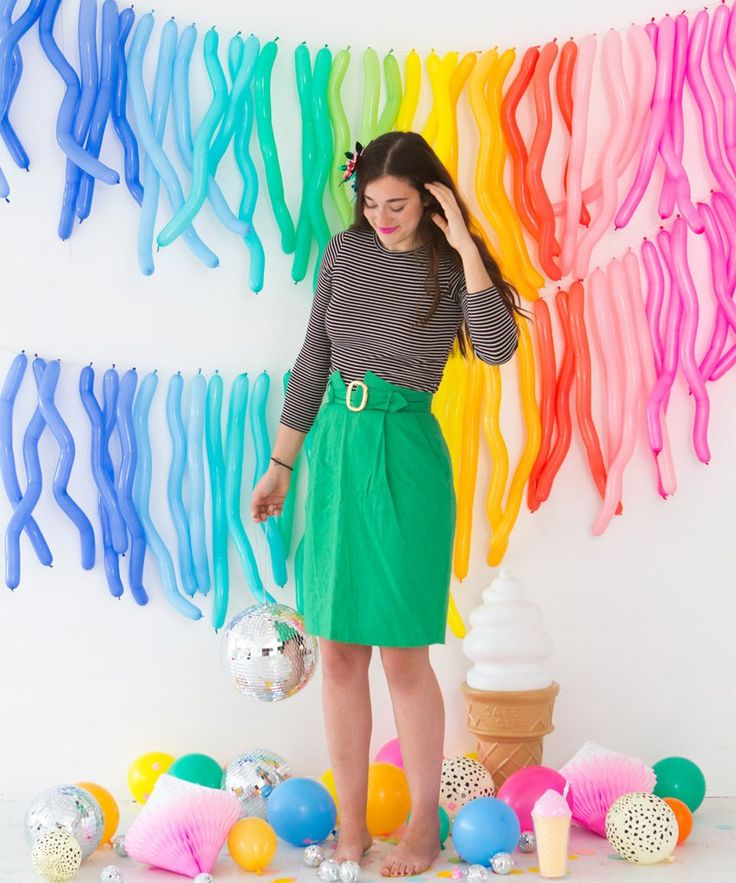 """- 11.5"""" flat - 2"""" wide - 60"""" inflated - Pack of 100 balloons - 10 assorted colors - 10 of each color"""