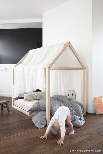 17 meilleures id es propos de lit montessori sur pinterest lit maison lit cabane et petites. Black Bedroom Furniture Sets. Home Design Ideas