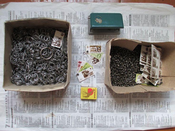 Брелок из банкнот СССР 10 и 25 руб, сделай сам. (2/6) Для тех, кто умеет или хочет научиться делать самому полезные вещи своими руками, которые качеством не будут уступать промышленным. Фурнитура и заготовки для брелков, различные кольца для ключей,дырокол, смотрите фотографии (подробнее фото здесь https://fotki.yandex.ru/users/d-maksimau2013/album/1456302/ ).