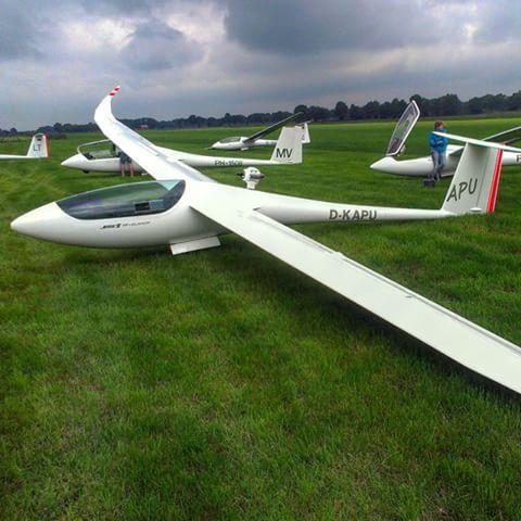 JS1 revelation. Jet engine  Most beautiful aircraft I've seen!! #js1 #gliding #zweefvliegen #segelfliegen #aeroclubsalland #soobock