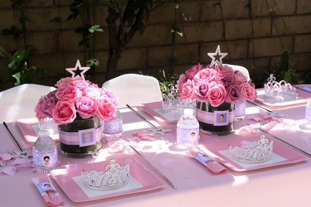 Hostess with the Mostess® - cute star centerpiece for a bridal shower