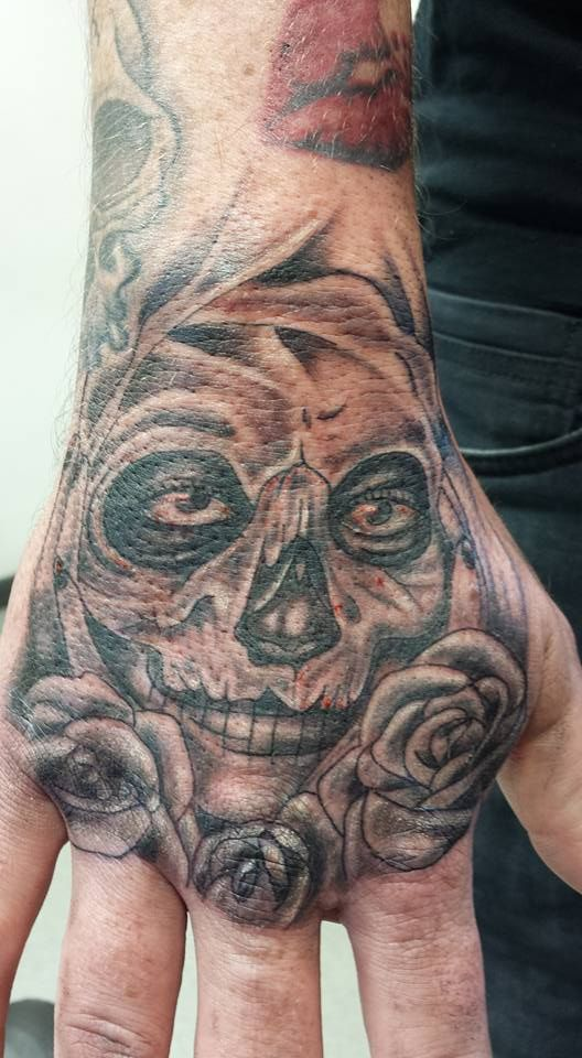 Day Of The Dead Hand Tattoo: Hand Tattoo, Day Of The Dead Girl, Skull, Roses, Men With