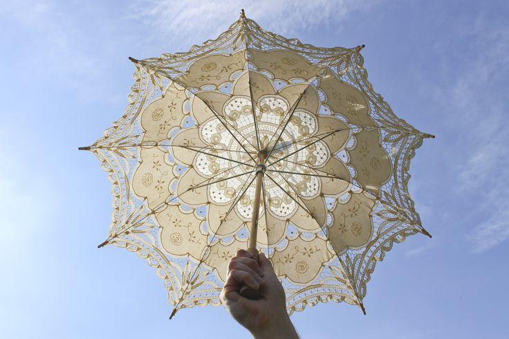 Vintage Parasol • Sun Umbrella • Photo Prop • Wedding Parasol • Cream Lace Parasol • Vintage Wedding Umbrella • Sun Parasol • Beach Umbrella by Venelle on Etsy