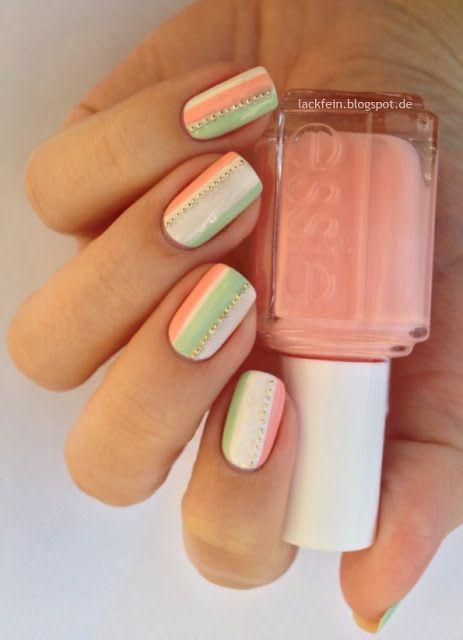 .Nail Art: Pastel Stripes