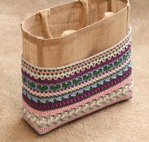 Week 4van de 'I want that bag!' CAL ontworpen doorKimberly Slifer van Just a Girl and a Hookis alweer de een na laatste week van het haakgedeelte van de tas. In week 6 maken we hem h…