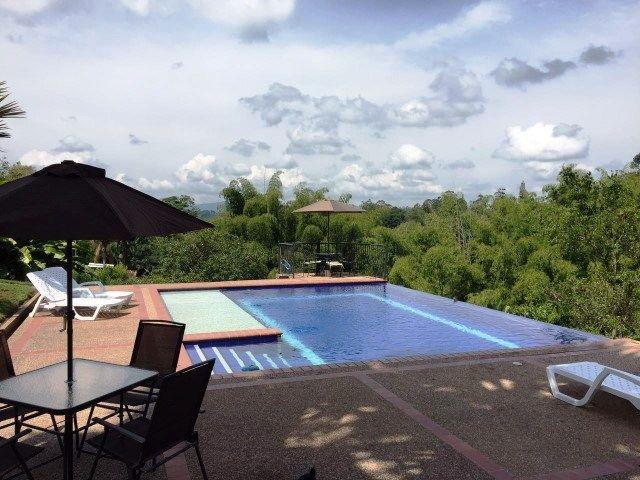 Ven y disfruta del #EjeCafetero en los mejores alojamientos que tenemos para #SemanaSanta ¿Que esperas? Reserva ya al #WhatsApp 3105384427 - 3104502013. #FelizMartes #TurismoPasionyCafe #Quindio #Turismo www.turismopasionycafe.com