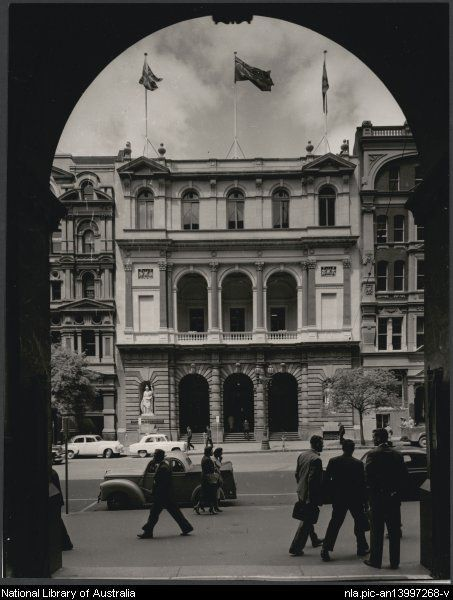 Sievers, Wolfgang, 1913-2007. Demolished E S & A Bank, 271 Collins Street, Melbourne, 1957 [picture]