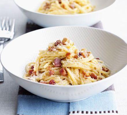 Two-step carbonara - spaghetti / pancetta or streaky bacon / garlic / egg / parmesan