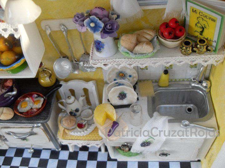 Detalle Cuadro Cocina con Miniaturas