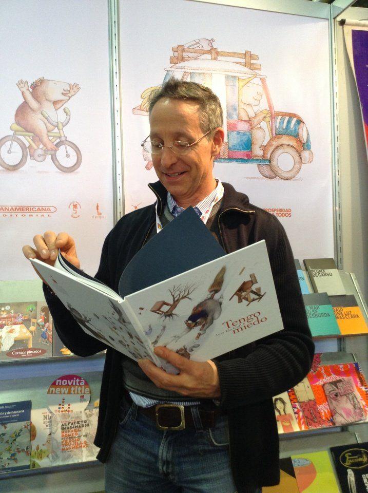 Ivar Da Coll, escritor e ilustrador colombiano.
