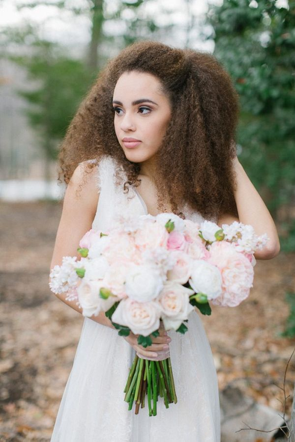 Natural hair bride    #wedding #weddingideas #aislesociety #weddingflowers #floraldesign
