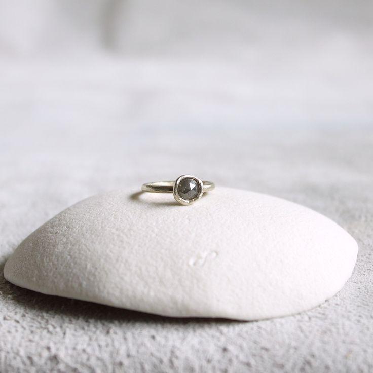 Tamara Gomez Jewellery -  Rose cut 1ct diamond ring, 9ct white gold