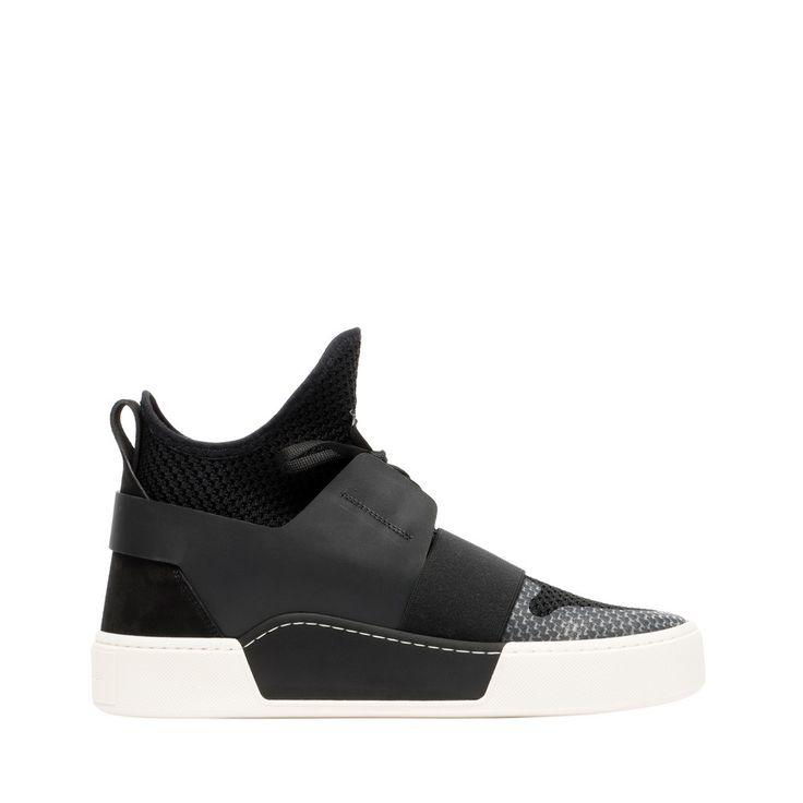 Balenciaga Sneakers Hautes Elastic 465 EUR.