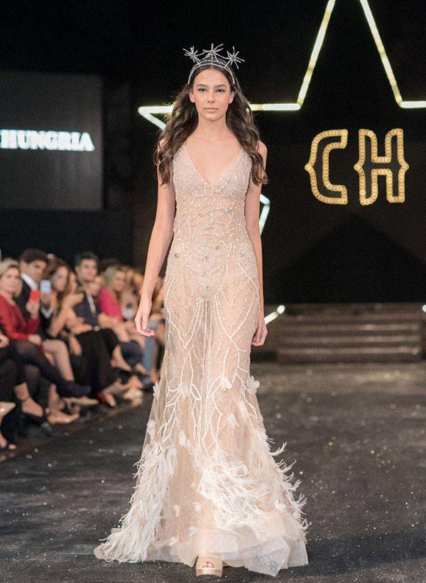 Carol Hungria desfila coleção de vestidos de noiva no Copacabana Palace - Constance Zahn | Casamentos