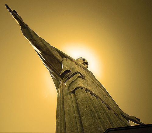 7 Quick Tips to Make Photos of Statues a Little More Interesting - ...  Cristo Redentor (Christ Redeemer) - photo by: bossa67, Source: Flickr, found with Wylio.com