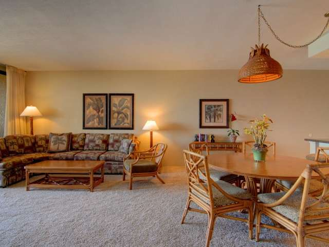 Maui Vacation Condos: Maui Condo for Rent: Oceanfront Maui Lodging