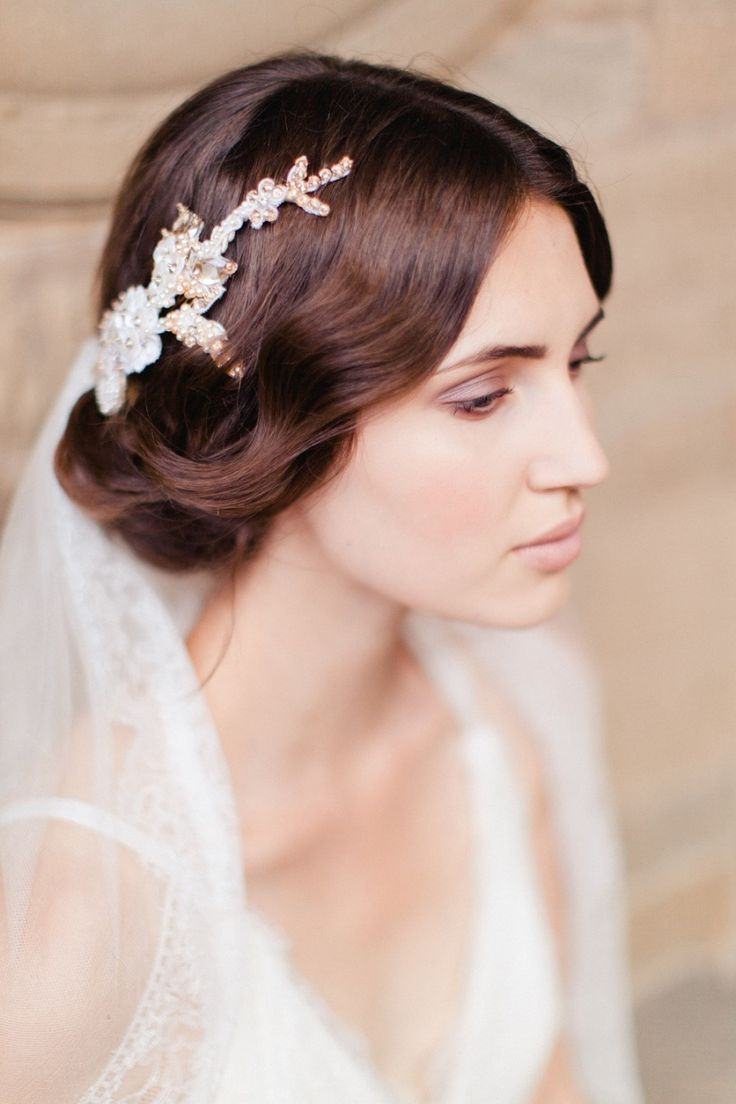 Hair accessories for updos hairstyles - Inspiration For A Florence Set Wedding
