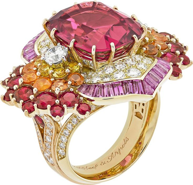 Theyyam ring:Cushion-cut rubellite of11.68 carats, spessartite garnets, rubies, ellow sapphires, pink sapphires, diamonds. © Van Cleef &Arpels