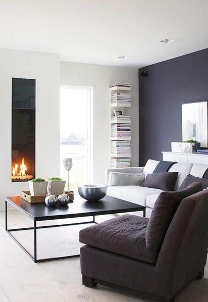 black coffee table carrée. simple. noire. style industriel. finition à choisir mate ou brillant  http://www.wonenonline.nl/