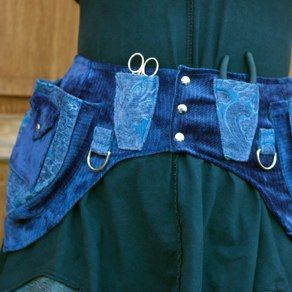 Pointed blue chenille belt with small triangular pockets