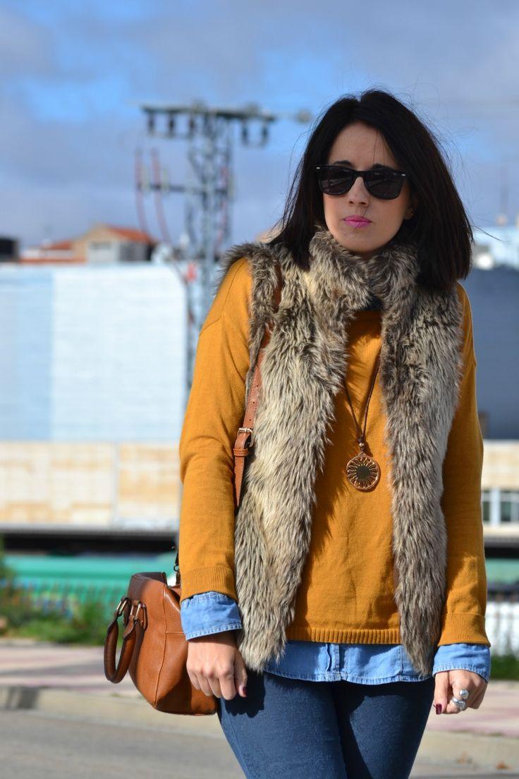 Look: Chaleco de pelo   mostaza   azul | Cuidar de tu belleza es facilisimo.com