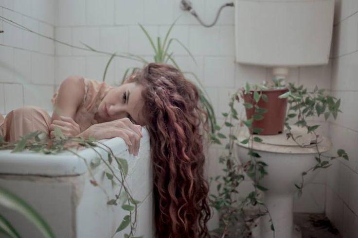 Erba / Conceptual  Photographer: Ania Lilith / http://strkng.com/s/1km  Italy / Cosenza    #Conceptual #Italy #Cosenza #bestof #international #contemporary #photography #strkng #picoftheday