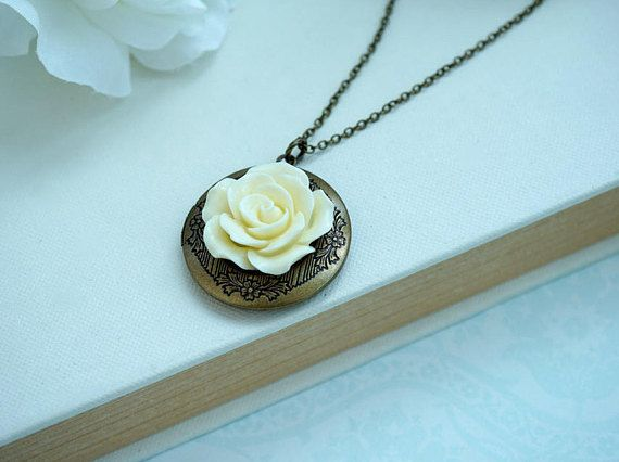 Crema marfil rosa flor redonda collar medallón, medallón redondo florales joyería, país rústico Vintage regalo de Dama de honor de boda regalo del día de madres