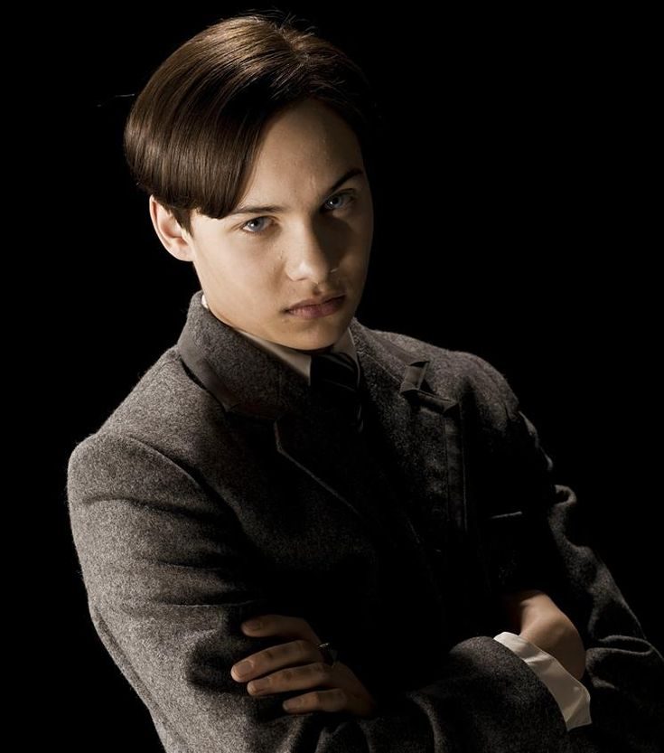 tom riddle   Tom Riddle Sr. - Harry Potter Wiki