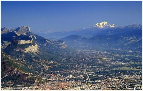 Chartreuse, Grenoble et le Mont Blanc from the peaks of Lans en Vercors/