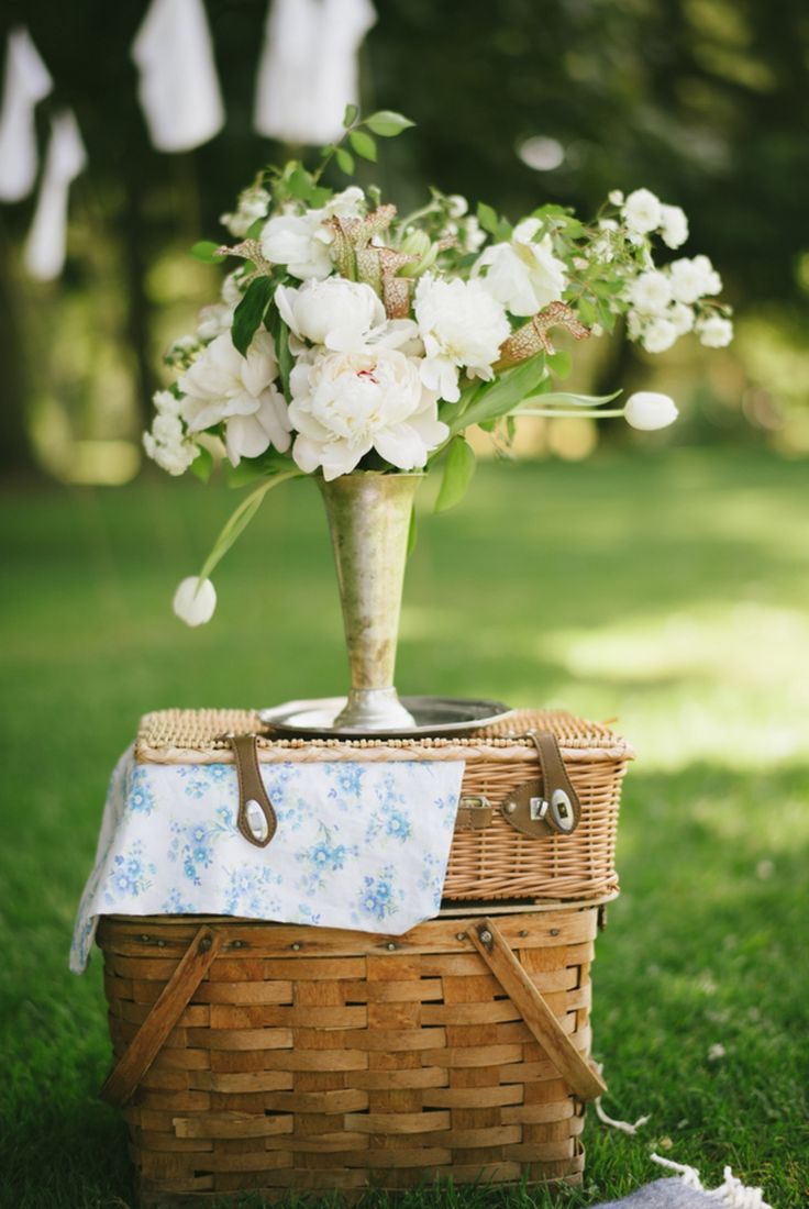 Nostalgic summer picnic from Valley & Co. and C2 Photography