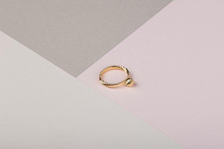 Pearl Ring https://www.shapeways.com/product/CEGQ5KXAG/archetype-pearl-ring?optionId=61894013