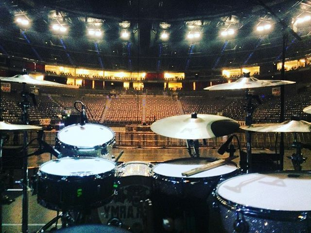 Tonight's our final show with  the Broilers! It's been a blast! Thank you for your wonderful hospitality! #TigerArmy / #Broilers play tonight  at #LanxessAreana in #Köln #Germany  #VicFirth #VicFirthX55B #RemoDrumHeads #TeamRemo #ZildjianCymbals  #PorkPieDrums #DrumWorkshop