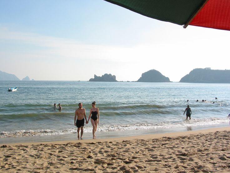 No te pierdas un día en la hermosa playa de Melaque, reserva ya! contacto@melaqueparadise.com