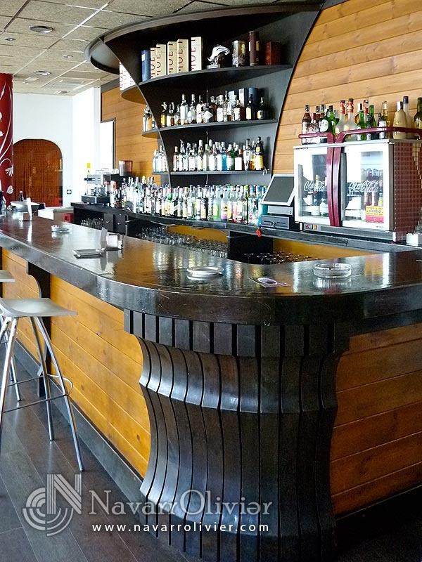 Detalle de barra bar katania guilas murcia - Interior barra bar ...